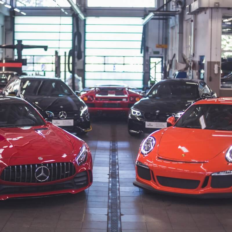 Największy niezależny serwis samochodów premium w Warszawie