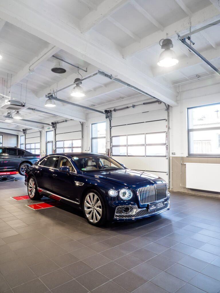 dealer samochodów premium Warszawa